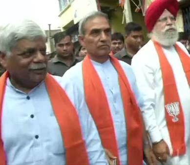Bhatpara Clash: অর্জুণ সিংকে সঙ্গে নিয়েই ভাটপাড়া ঘুরল বিজেপির প্রতিনিধিদল, এসএলআর, ইনস্যাস থেকেই গুলি চালিয়েছে পুলিস, দাবি আলুওয়ালিয়ার