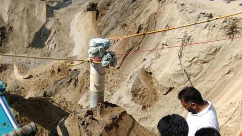 Fatehvir Singh Rescued: দীর্ঘ ১১০ ঘণ্টা পর ১৫০ ফুট কুয়ো থেকে উদ্ধার তিন বছরের ফতেবীর সিং