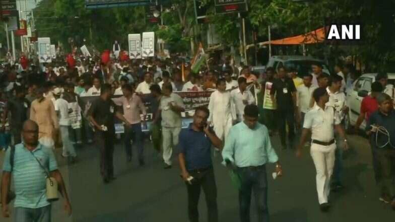 LPG Price Hike Protests: দলীয় কর্মীদের মনোবল বাড়াতে অভিষেকের নেতৃত্বে পথে নামল তৃণমূল কংগ্রেস