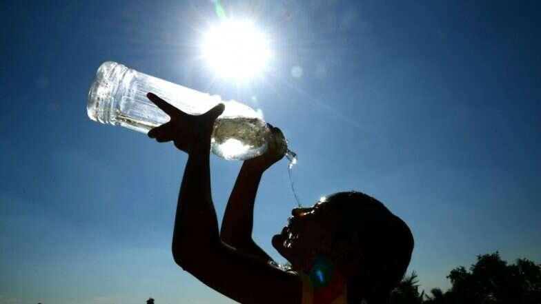 Heat Wave in Bengal: আগামী ৩ দিন রাজ্যের ৬ জেলায় তাপ প্রবাহের সতর্কতা জারি করল আলিপুর আবহাওয়া দপ্তর