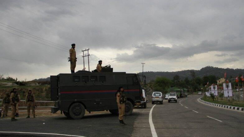 Jammu and Kashmir: পুলওয়ামায় চার জঙ্গিকে নিকেশ,  সোপোরে পুলিশ স্টেশনে গ্রেনেড হামলা জঙ্গিদের
