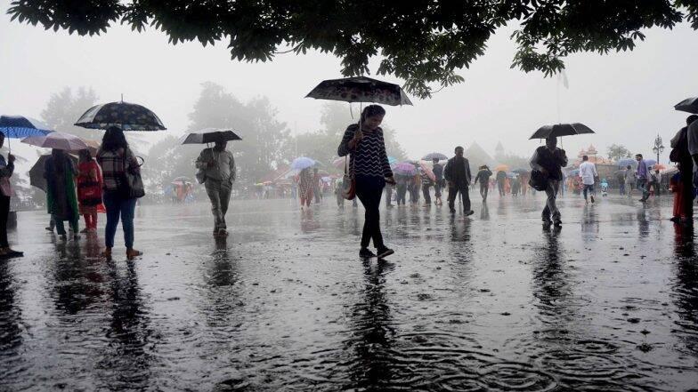 Kolkata Rain: কাটছে নিম্নচাপ, বৃষ্টি কমবে শহরে, আজ দিনভর মাঝারি বৃষ্টির পূর্বাভাস দক্ষিণবঙ্গের জেলাগুলিতে