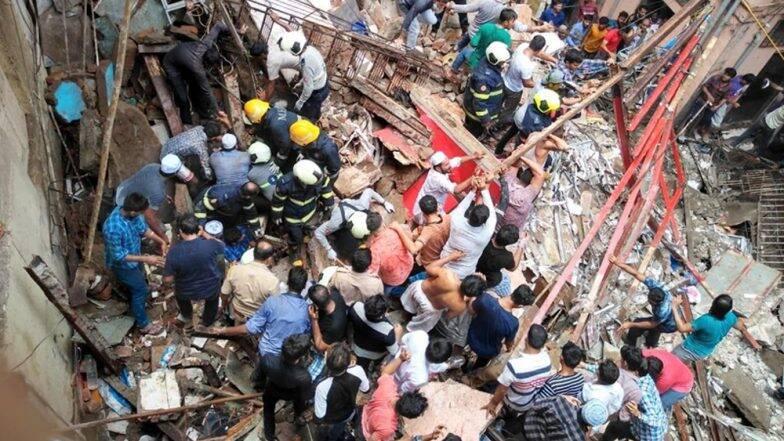 Mumbai Building Collapse: ধ্বংসস্তুপ থেকে বের করে আনা হল ২টি মৃতদেহ, চারজন আহতকে উদ্ধারের পর আরও অনেকের আটকে থাকার আশঙ্কা