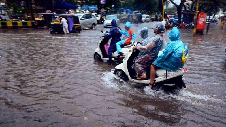 Mumbai Rains: মাস-সপ্তাহের শুরুতেই বৃষ্টিতে নাজেহাল মুম্বই, ট্রেন লাইন ডুবল জলে,যানজটে কার্যত স্তব্ধ জনজীবন