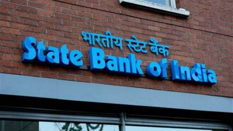 SBI Cuts Deposit Rates: মধ্যবিত্তদের ধাক্কা দিয়ে FD-তে সুদের হার কমাল SBI