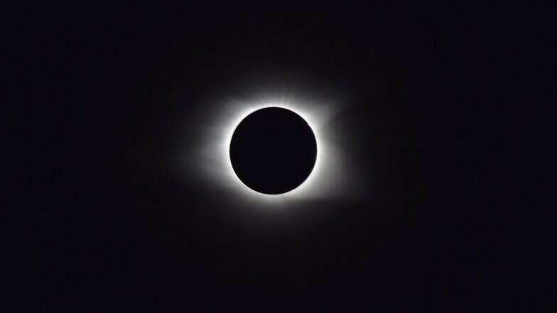 Solar Eclipse 2019: আজ পূর্ণগ্রাস সূর্য গ্রহণ, কোথা থেকে কতক্ষণ দেখা যাবে জেনে নিন