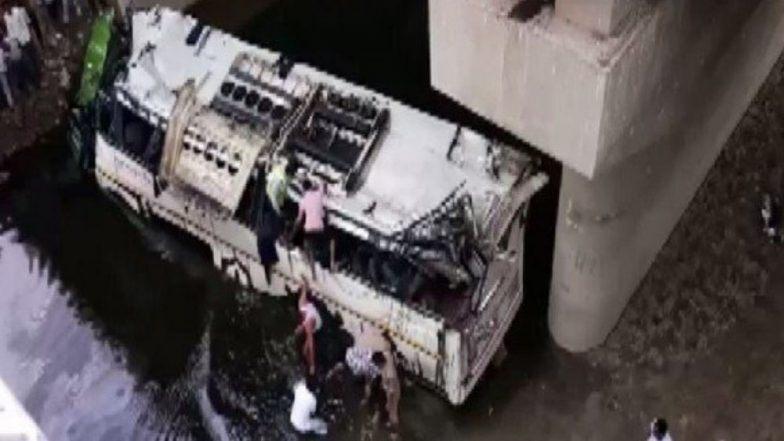 Agra Bus Accident: যমুনা এক্সপ্রেসওয়েতে বাস উল্টে ২৯ জনের মৃত্যু, মৃতদের পরিবারকে ৫ লক্ষ টাকার ক্ষতিপূরণের ঘোষণা