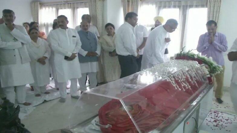 Sushma Swaraj Died: সুষমা স্বরাজকে ৭০ মিনিট ধরে বাঁচানোর মরিয়া চেষ্টা করেছিলেন AIMS-র ডাক্তাররা, আজ দুপুর ৩টেয় শেষকৃত্য