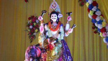 Viswakarma Puja 2019: আকাশে ঘুড়ি, প্যান্ডেলে বিশ্বকর্মা- শ্রমজীবি মানুষের বন্দনায় বাঙালির পুজো পুজো আবহে ঢাকে কাঠি