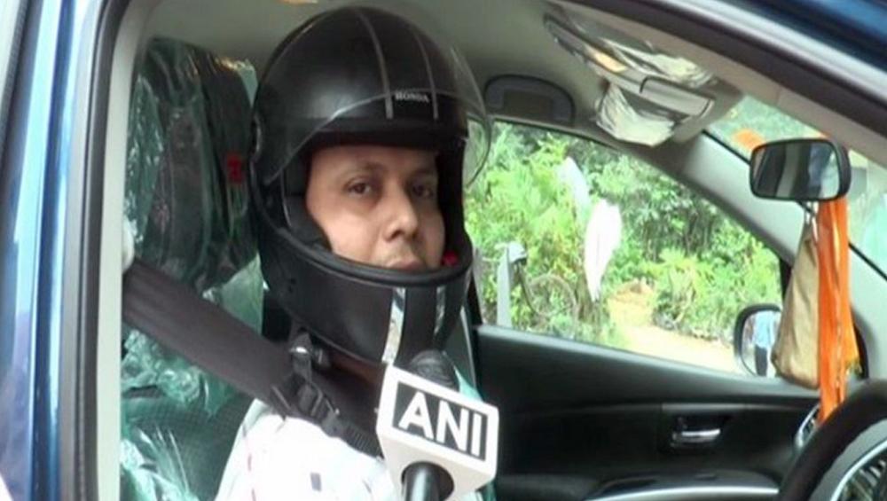 চার চাকা গাড়িতেও লাগবে Helmet! হেলমেট না পরে গাড়ি চালানোয় জরিমানা ট্রাফিক পুলিশের