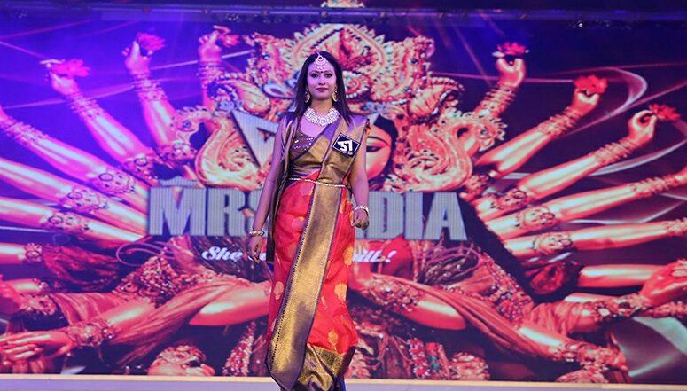 AR MRS India 2019: 'মিসেস কলকাতা' খেতাব ছিনিয়ে নিলেন কলকাতার শহরতলির গৃহবধূ শর্মিষ্ঠা চক্রবর্তী;  আগামীতে অভিনয়ের পথে পা বাড়াতে চান,জানালেন 'লেটেস্টলি' বাংলাকে