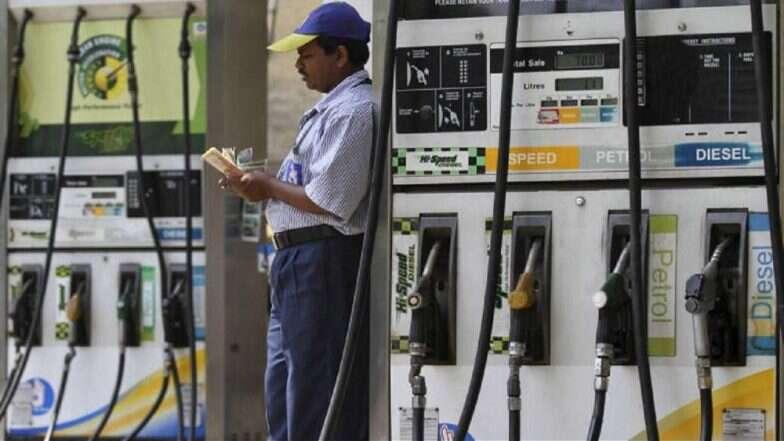 Petrol And Diesel Prices: ফের বাড়ল পেট্রল ও ডিজেলের দাম