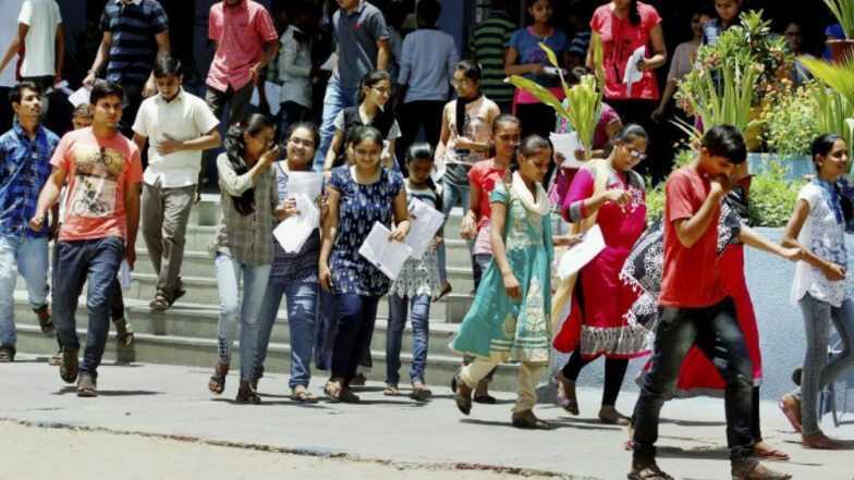 College Admission: কলেজে ভর্তির আবেদনের সময়সীমা ৭ দিন বাড়াল রাজ্য সরকার