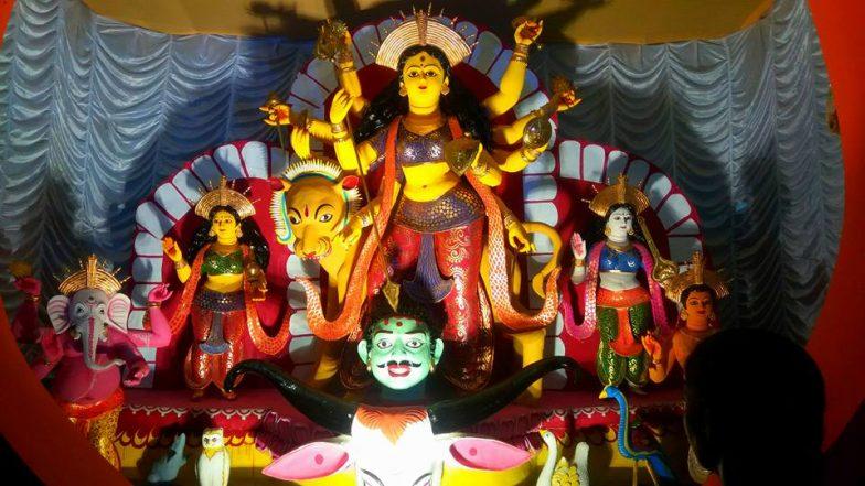 Durga Puja 2019: শোভাবাজারের বুকে হাজির এক টুকরো 'কাশী', জগত মুখার্জি পার্কের থিমে এবার নতুন চমক