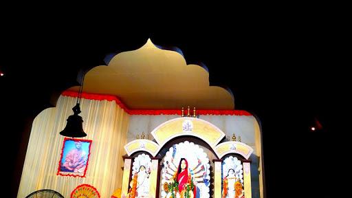 Durga Puja 2019: নীলকণ্ঠ পাখি ওড়ে রায়চৌধুরী বাড়ির দুর্গা পুজোয়, বাড়ির মেয়ের কৈলাসে ফিরে যাওয়ার আগাম বার্তা পৌঁছে দিতে দশমীতে মানা হয় এই প্রথা