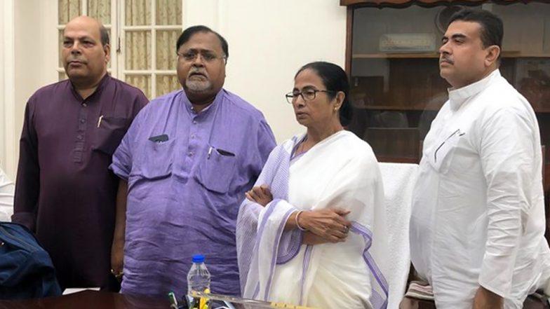 Om Prakash Mishra: দীর্ঘদিনের হাত ছেড়ে তৃণমূলে যোগ দিলেন ওমপ্রকাশ মিশ্র
