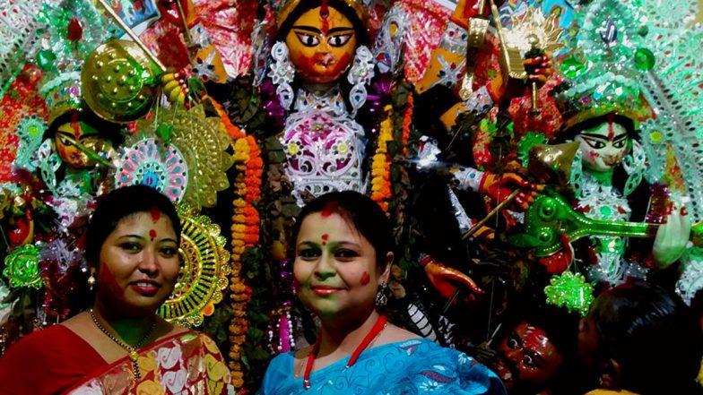 Durga Puja 2019: মন খারাপের বিজয়া দশমীতে শুরু সিঁদুর খেলা,  অপেক্ষা আবার এক বছরের