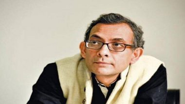 Nobel Laureate Abhijit Vinayak Banerjee is in Kolkata:  কলকাতায় নোবেলজয়ী, স্মৃতির শহরে পা রেখেই শুভেচ্ছায় ভাসলেন অভিজিৎ বিনায়ক বন্দ্যোপাধ্যায়