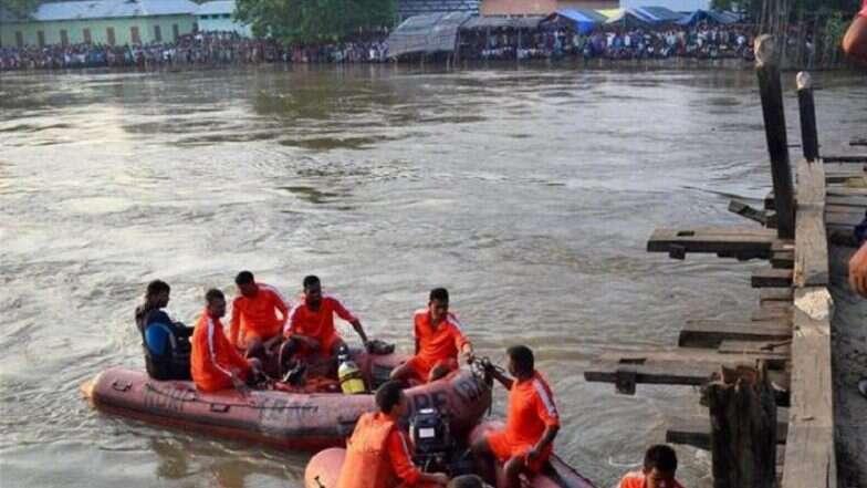 Boat Capsize: মহানন্দা নদীতে নৌকাডুবির ঘটনায় মৃত পরিবারপিছু ২ লাখ টাকা প্রদান রাজ্য সরকারের