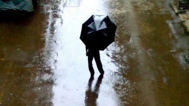 West Bengal Monsoon: জলীয় বাষ্প ও নিম্নচাপ অক্ষরেখার জোড়া ফলায় বিদ্ধ রাজ্য, সপ্তাহভর চলবে বৃষ্টি