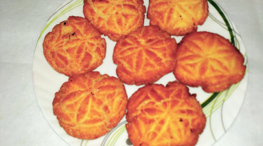 Chhath Puja 2019: ঠেকুয়া খেতে ভালবাসেন? কীভাবে বানাবেন জেনে নিন