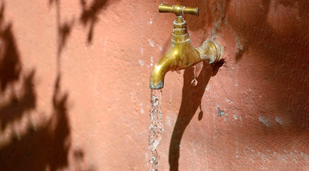 Kolkata Failed All Tap Water Tests: পানীয় জলের স্বচ্ছতা পরীক্ষায় ব্যর্থ কলকাতা, ভয়ঙ্কর পরিস্থিতি দিল্লির; একমাত্র বিশুদ্ধ মুম্বইয়ের ট্যাপ ওয়াটার