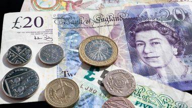Leaving Cash Bundles Of £2,000 Around A Village: যেখানে সেখানে মিলছে লাখ লাখ টাকার তোড়া, কে এই গৌরী সেন?