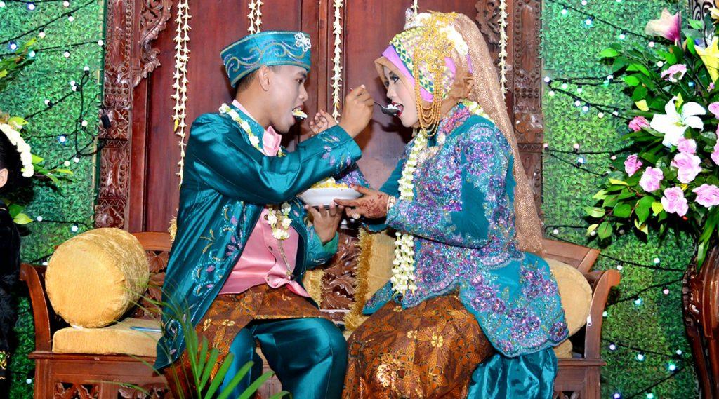 New Marriage Rule For Indonesian Couples: বিয়ে করতে গেলে এবার পাশ করতে হবে প্রি ওয়েডিং কোর্স! নয়া নিয়ম আনতে চলেছে ইন্দোনেশিয়া সরকার