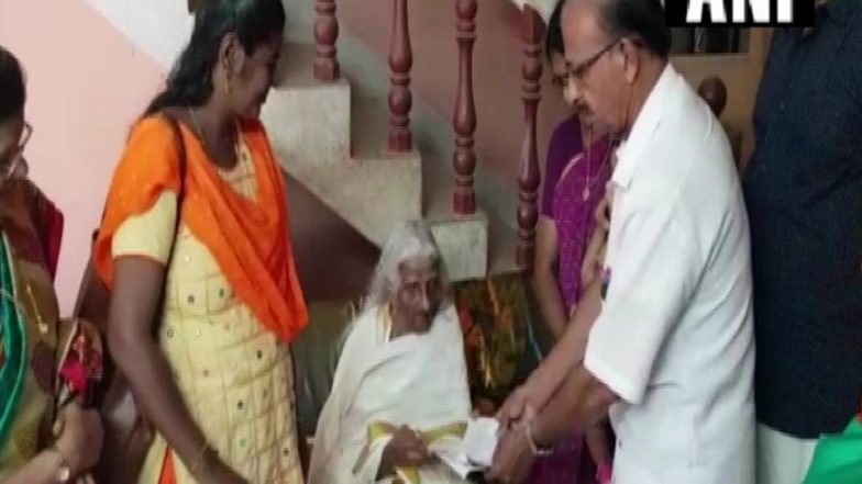 105 Years Old Woman Gives 4th Standard Exam: ১০৫ বছর বয়সে চতুর্থ শ্রেণির গণ্ডি পেরোলেন ভাগীরথি আম্মা
