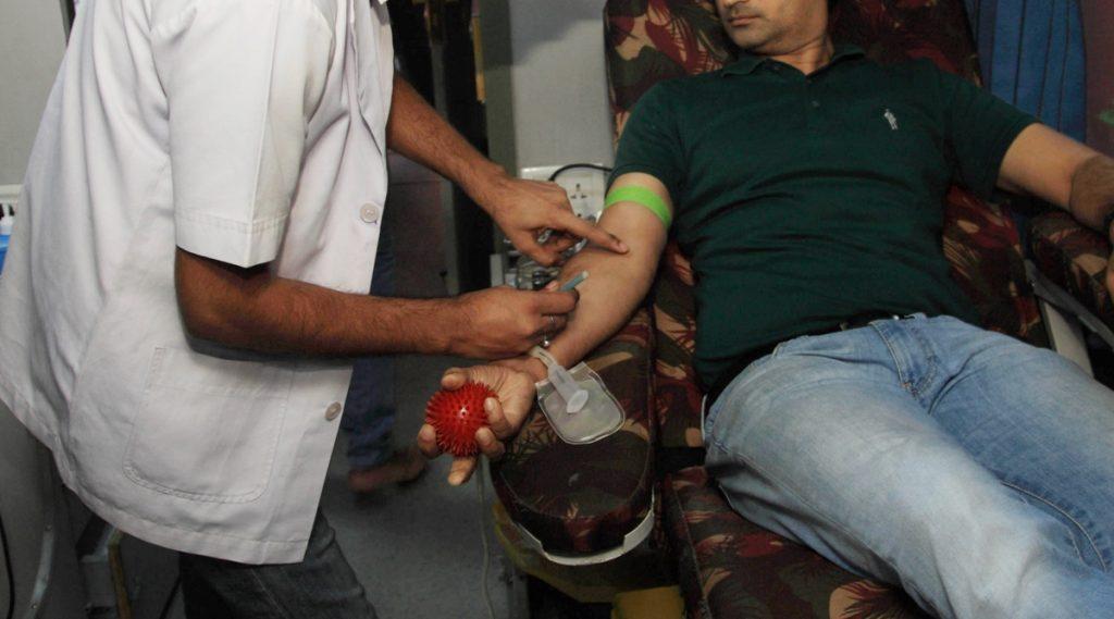 Blood Donors Gets Hilsa In Kolkata: রক্ত দান করলেই 'মিলছে' ইলিশ, ইনডাকশন ওভেন