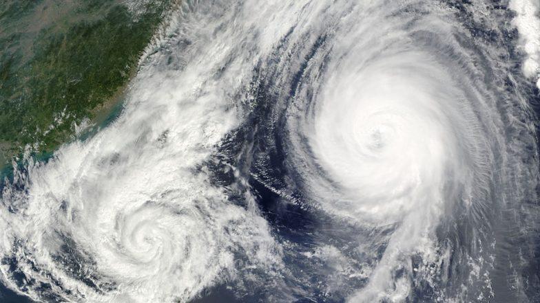 Cyclone MAHA Update: লাক্ষাদ্বীপ থেকে সরে ঘণ্টায় ১১০ কিলোমিটার বেগে কেরলের দিকে ধেয়ে যাচ্ছে ঘূর্ণিঝড় 'মহা', কেরল উপকূল জুড়ে জারি সতর্কতা