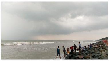 Cyclone Bulbul: শক্তি বাড়িয়ে ধেয়ে আসছে ঘূর্ণিঝড় বুলবুল, উপকূলের জেলাগুলিতে জারি সতর্কতা