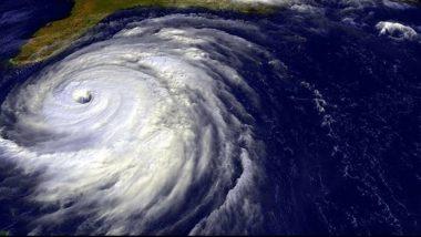 Cyclone Bulbul: প্রবল শক্তি বাড়িয়ে আজ সন্ধেয় আছড়ে পড়তে চলেছে ঘূর্ণিঝড় 'বুলবুল', প্রভাব ঠেকাতে তৈরি প্রশাসন