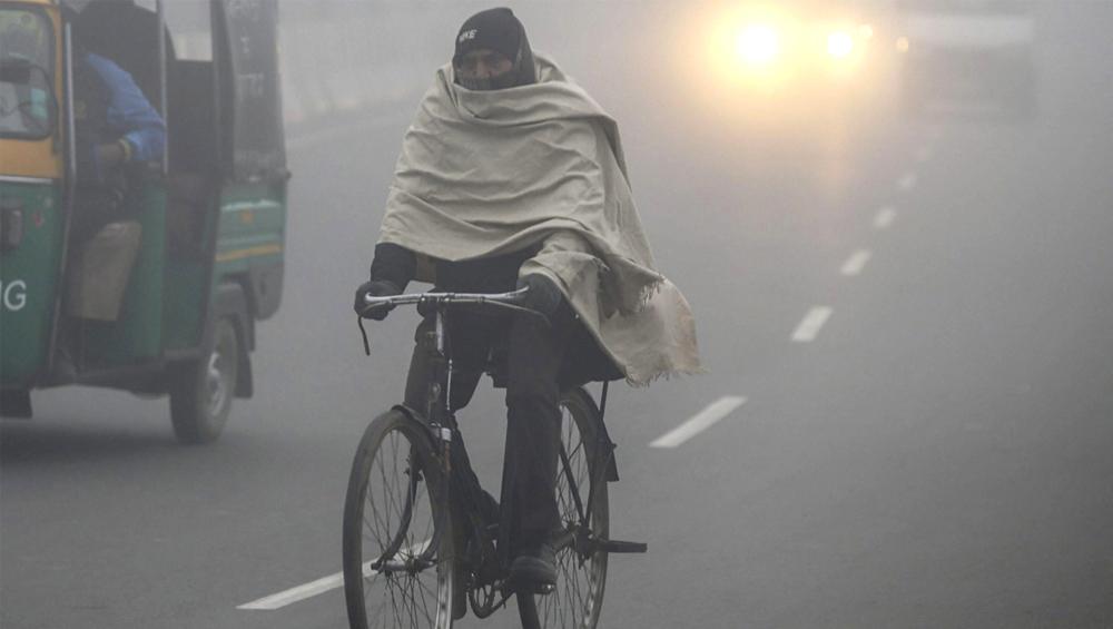 Winter In Kolkata: কুয়াশার দাপটে ব্যাকফুটে শীত, দৃশ্যমানতা কমার জেরে ব্যহত বিমান চলাচল