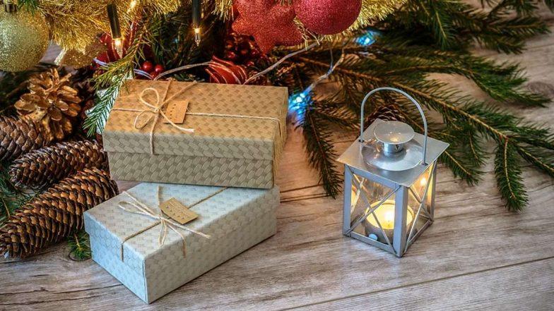 Christmas Gifts: 'সিক্রেট সান্তা'-তে সহকর্মী হোক বা বন্ধু, ক্রিসমাসের উপহার বাছুন মাত্র ৫০০ টাকার মধ্যে