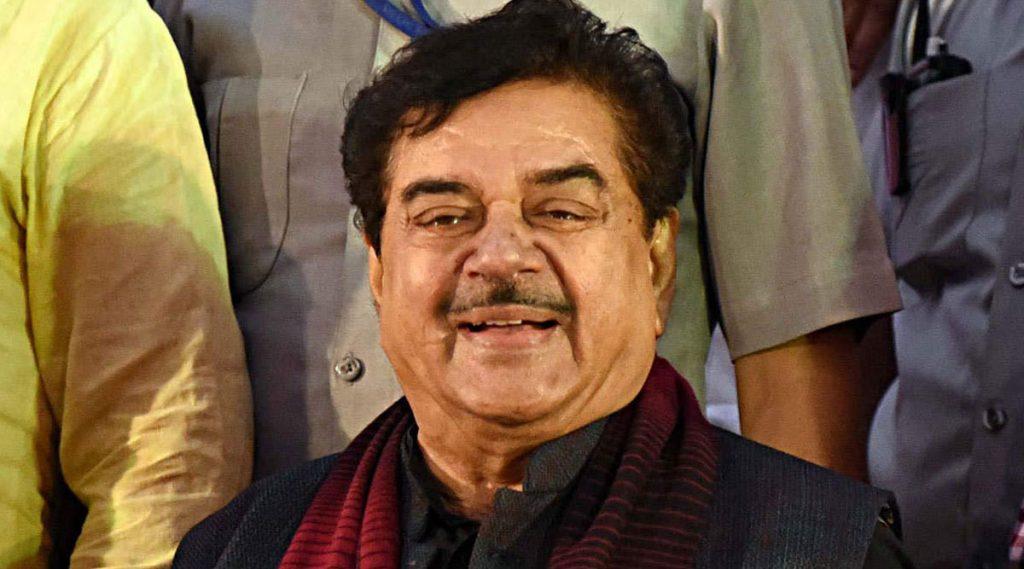 Shatrughan Sinha: প্রিয়াঙ্কা গান্ধিকে হেনস্থা! নরেন্দ্র মোদিকে 'খামোশ' বার্তা দিলেন শত্রুঘ্ন সিনহা