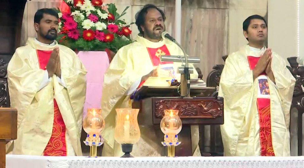 Namaz In Church: চার্চে বসেই নামাজ পড়লেন কেরালার মুসলিমরা!