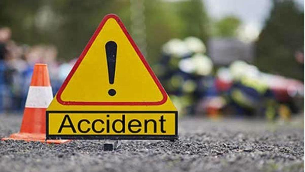 Agra-Lucknow Expressway Bus Accident: আগ্রা-লখনউ এক্সপ্রেসওয়েতে ভয়াবহ পথদুর্ঘটনা, যাত্রীবোঝাই বাস উল্টে আহত ১৬