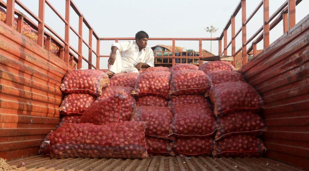 Onion Prices: রাজধানীতে পেঁয়াজ ১৪০ টাকা কেজি,  দামে রাশ টানতে ৭৯০ টন পেঁয়াজ এল দেশে