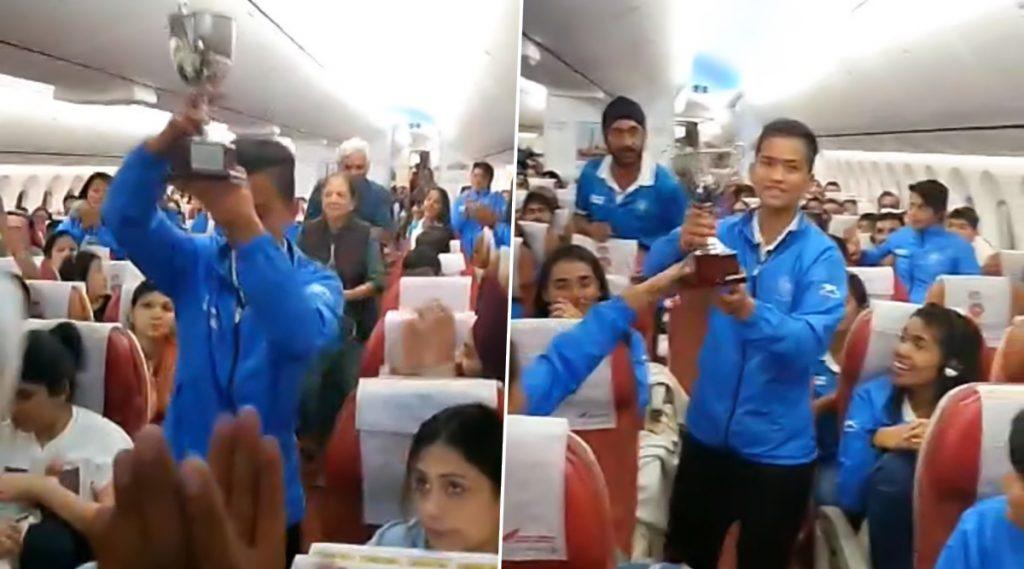 India Junior Women Hockey Team: ত্রিদেশীয় সিরিজ জিতে ফেরার পথে এয়ার ইন্ডিয়ার বিমানে উষ্ণ অভ্যর্থনা পেল মহিলা হকি দল, ভাইরাল ভিডিও