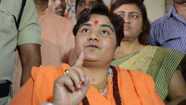 Pragya Thakur: 'দুর্ব্যবহার' করেছে স্পাইস জেটের বিমানকর্মীরা দাবি প্রজ্ঞা ঠাকুরের, চরম ভোগান্তিতে পড়ে চিৎকার যাত্রীর