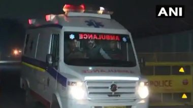 Kolkata: লকডাউনে মিলল না অ্যাম্বুলেন্স, দুর্ঘটনায় আহত সন্তানকে নিয়ে ভ্যানে নিয়ে ঘুরলেন অসহায় বাবা
