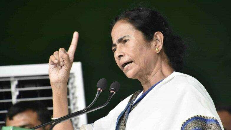 Mamata Banerjee: করোনা পরিস্থিতি নিয়ে কেন্দ্র-রাজ্য সংঘাত, টুইটারে হুঁশিয়ারি মমতা ব্যানার্জির