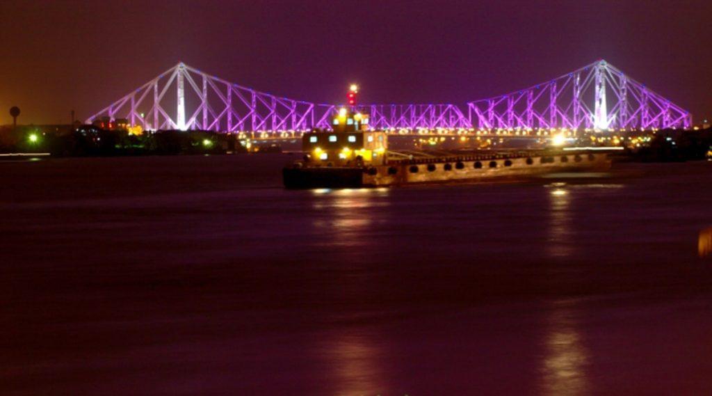 Howrah Bridge: আলোয় সাজছে হাওড়া ব্রিজ, কেন জানেন?