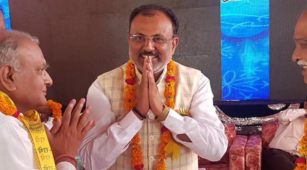 Raghuraj Singh: নরেন্দ্র মোদি ও যোগী আদিত্যনাথের বিরুদ্ধে স্লোগান দিলে জীবিত কবর দেব, হুঁশিয়ারি উত্তরপ্রদেশের মন্ত্রীর