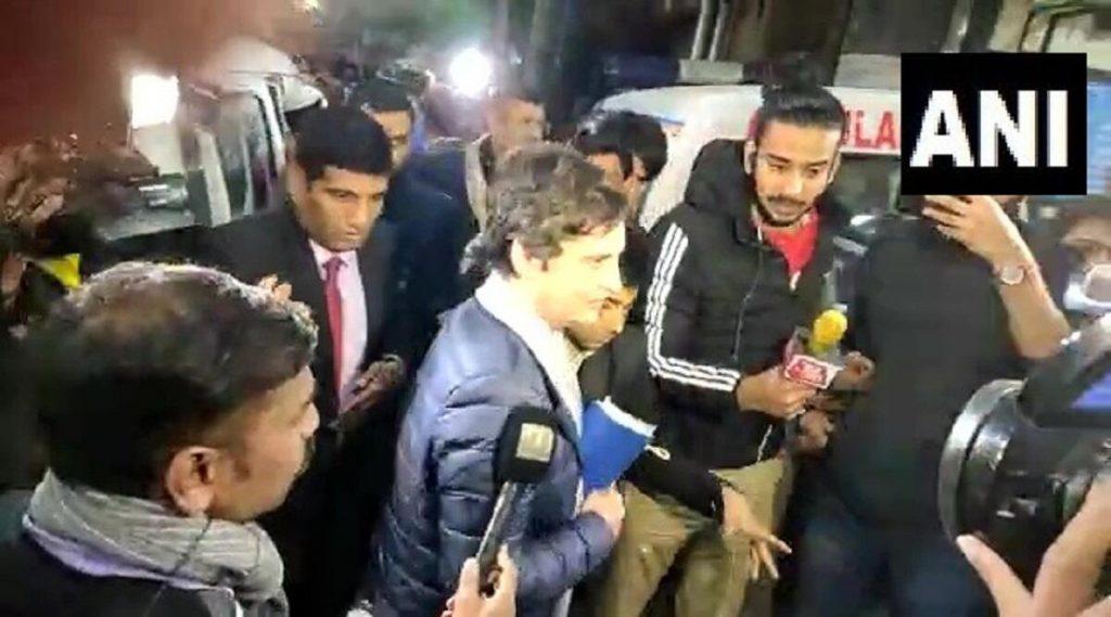 Priyanka Gandhi Meets Injured JNU Students: আহতদের সঙ্গে দেখা করতে হাসপাতাল ছুটলেন প্রিয়াঙ্কা গান্ধি বঢরা