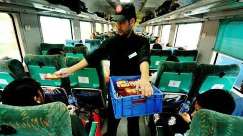 Indian Railways: আইআরসিটিসি-র খাদ্য তালিকা থেকে বাদ কেরালা, ট্রেনে চড়লে মিলবে শুধু সামোসা কচুড়ি