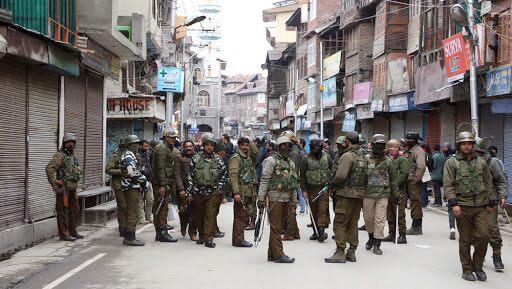 Jammu and Kashmir: কাশ্মীরে হিজবুল মুজাহিদিন জঙ্গিদের সঙ্গে একই গাড়ি থেকে গ্রেফতার রাষ্ট্রপতি পদকজয়ী ডিএসপি