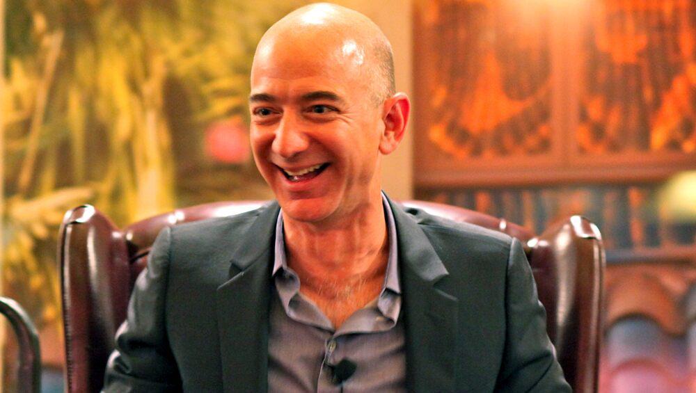 Jeff Bezos India Visit: অ্যামাজনের ছাড়ের কোপে বিকিকিনি লাটে উঠেছে, জেফ বেজোসের দিল্লি সফরে বিক্ষোভে শামিল ৩০০ শহরের ব্যবসায়ীরা
