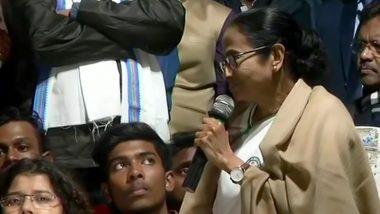 Mamata Banerjee: মমতা ব্যানার্জিকে ঘিরে বিক্ষোভ, স্বতঃপ্রনোদিত মামলা রুজু কলকাতা পুলিশের